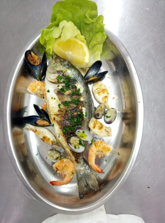 Solo Pesce Gastronomia Di Pesce Pesce Allo Scoglio Insalata Di